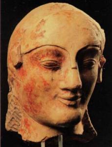 Museo archeologico regionale di Agrigento - Testa fittile di Athena elmata (500 ca a.C.).